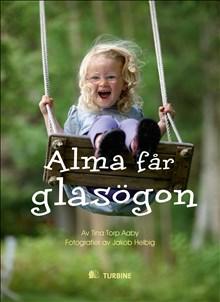 Alma får glasögon